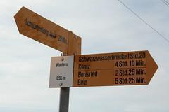 Wegweiser Wahlern ( BE - 835m - Standorttafel Berner Wanderwege ) bei der K.irche Wahlern im Schwarzenburgerland im Kanton Bern der Schweiz (chrchr_75) Tags: hurni christoph schweiz suisse switzerland svizzera suissa swiss chrchr chrchr75 chrigu chriguhurni chriguhurnibluemailch juli 2016 juli2016 hurni160706 kanton bern kantonbern standorttafel standort tafel markierung wegweiser berner wanderwege wanderweg site map plan du mappa del sito sidkarta sivustokartta wanderwegweiser bernerwanderwege wanderwegmarkierung trail hiking hikingtrail albumstandorttafelsammlung