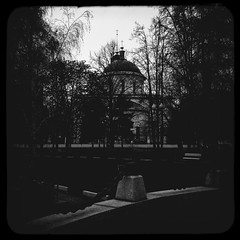 (Temple Great Ascension) (Andrey  B. Barhatov) Tags: city urban blackandwhite bw temple noir msk worldmap orthodox orthodoxe orthodoxy citywalks  ortodoxa iphonecamera templesrussia kitcam