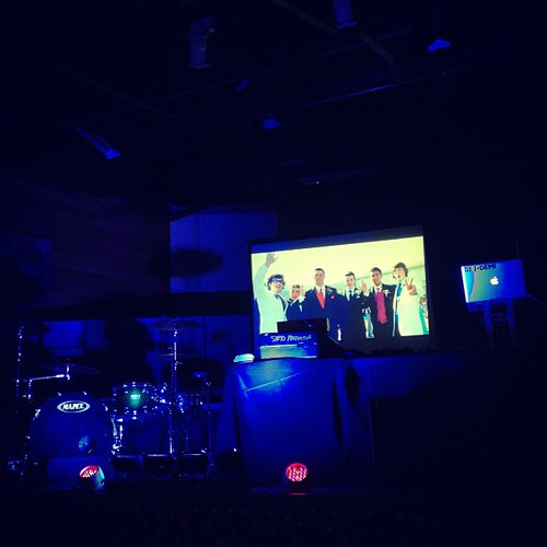 [BTS] SDE graduation video running in the back of a live band