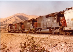SP #9187 (Santa Fe Way) Tags: railroad train sp tehachapi southernpacific tunnelmotor sd45t2