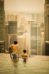 You Jump, I Jump, Right? (makudo7) Tags: tower zeiss landscape twins singapore f14 sony 85mm swimmingpool skypark carlzeiss marinabaysands sal85f14za laea1 nex5n