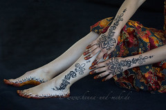 Bodypainting with henna and khidab using hungarian embroidery elements (olga_rashida) Tags: berlin art feet painting hands hand kunst main bodypainting mehendi bodyart pieds mains mehndi tatuaggio hennatattoo mehandi krperbemalung mehndidesign  lacca naksh peinturecorporelle khidab hennadesign  fse hennamalerei tatouageauhenn hennabemalung kunstamkrper httpwwwhennaundmehrde bemalungmitkhidab