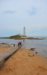 St Marys Lighthouse Whitley Bay North East England (Le monde d'aujourd'hui) Tags: light sea england lighthouse house water st bay path north east marys wade tidal whitley