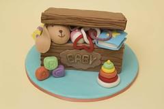 Scatola giochi - Toy box (Temba81) Tags: cake toy design artist sweet box decoration pasta sugar wife compleanno modelling scatola torta topper giochi torte decorazione decorazioni bambola zucchero pdz cakedesign pastadizucchero sugarartist bamboladizucchero
