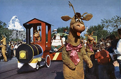Toys on the March Parade - Reindeer (Tom Simpson) Tags: vintage reindeer disneyland disney parade 1960s 1961 disneyparade vintagedisneyland disneylandparade vintagedisney toysonthemarch