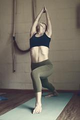 Workshop de Ashtanga Yoga com Aline Fernandes (Nicola Braga Marques) Tags: yoga 35mm canon 50mm 14 f 7d 28 18 70200 aline arzen ashtanga fernades