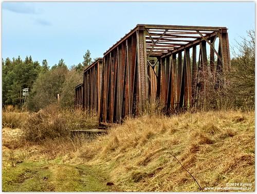 Most kolejowy w Osetnie