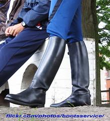 bootsservice 06 6070 1 (bootsservice) Tags: paris army uniform boots military cavalier uniforms rider cavalry militaire weston bottes vincennes riders arme uniforme gendarme cavaliers equitation gendarmerie cavalerie uniformes garde rpublicaine ridingboots