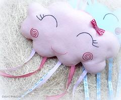 Nuvolette di benvenuto (Colori Preziosi) Tags: baby clouds nuvole nuvola birth felt nuvens feltro nascimento bebes nastri nuvoletta beb coccarda pannolenci enfeitedeporta coccardanascita