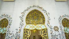 Window (Bartholomew K Poonsiri) Tags: white building islam religion uae middleeast wideangle mosque structure abudhabi sheikhzayedgrandmosque sonyepz1650mmf3556oss sonyilce6000