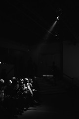 _PLG135 (Pablo Latorre) Tags: lighting people paris france fashion canon dark photo donna photographer gente models moda atmosphere desfile trends vogue list behind backstage mode runway scenes ambience palaisdetokyo fashionweek ambiente catwalks pablolatorre not wwwpablografiacom lestrop lestropbarcelona