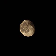 P5258149 (Paul Henegan) Tags: moon handheld waninggibbous 11crop 07621