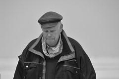 De Gids (snoeziesterre) Tags: waddenzee vlieland wadden natuur zee mei gedicht eiland verzameling kust afdruk landal 2016 aangespoeld natuurgebied vliehors drenkelingenhuisje autobanden vliehorsexpress strandjutten kustgebied vergezichten zandvlakte dichtregels juttersvonsten