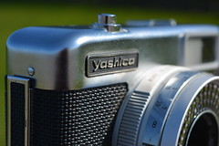 Yashica (Callum Colville's Lothian Buses) Tags: camera vintage box tripod certificate case vintagecamera manual yashica pointshoot cartridge 126film seleniumcell ezmatic vintagetripod