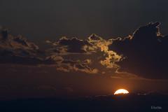 Buenas noches. (:) vicky) Tags: sol valencia night canon contraluz noche v nubes nocturna puestadesol vicky comunidadvalenciana vickyepla flickrvicky