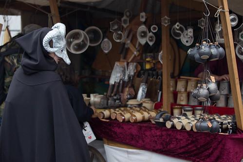 Besucher auf Mittelalter-Markt