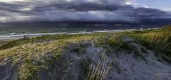 Der Sturm naht_Ostsee_Börgerende (b.stanni) Tags: ocean light sunset storm nature water clouds germany landscape deutschland licht meer wasser waves outdoor urlaub natur himmel wolken balticsea ufer landschaft ostsee wandern mv wellen sturm unwetter