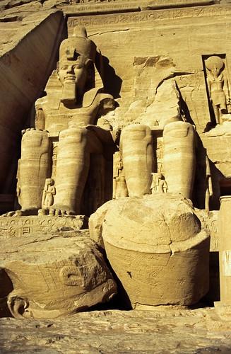 "Ägypten 1999 (102) Assuan: Großer Tempel von Abu Simbel • <a style=""font-size:0.8em;"" href=""http://www.flickr.com/photos/69570948@N04/27301762332/"" target=""_blank"">View on Flickr</a>"