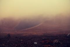 pasajes (betho itinerante) Tags: naturaleza color luz sol paisaje viento dia amanecer cielo nubes contraste montaa neblina fro sombras rocas altura horizonte cresta rayosdesol volcn