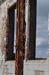1606190326 (pixelarized) Tags: urban window wall outdoor ede raam muur enka zelfontspanners
