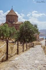 Akdamar kilisesi ( Armenian Cathedral of the Holy Cross ) (Sarhang G.Hariri) Tags: ikizlerky van turkey wan turkye ahtamar akdamar vangolu gol ada adasi klise island