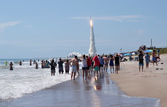 An Atlas V rocket puts on a show for beachgoers as it lifts a massive U.S. Navy satellite into orbit. (Jill Bazeley) Tags: atlas v rocket launch navy satellite muos 5 playalinda beach canaveral national seashore brevard county florida usa nikon 70300mm d7000
