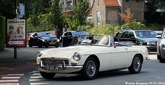 MG B Tourer 1973 (XBXG) Tags: auto old uk b england holland classic netherlands car vintage automobile nederland convertible voiture mg british cabrio paysbas 1973 engeland ancienne mgb roadster cabriolet tourer overveen anglaise 70gdjb