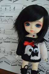 Black&White (nyssalily95) Tags: yellow doll vampire bjd latidoll lati