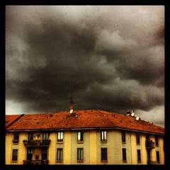 (Suite116) Tags: storm clouds nuvole milano cielo temporale nuvoloso blackclouds piola cittstudi piazzabernini uploaded:by=flickrmobile flickriosapp:filter=nofilter