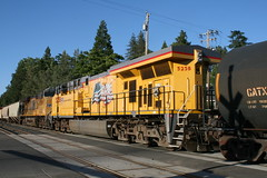Union Pacific #5258 (GE C45ACCTE) in Colfax, CA (CaliforniaRailfan101 Photography) Tags: up amtrak unionpacific priority ge freight bnsf reefer manifest emd californiazephyr burlingtonnorthernsantafe dash9 dpu es44dc gevo sd70m amtk c449w stacktrain sd70ace es44ac colfaxca c45accte p42dc trackagerights es44c4 tietrain sd59mx unitreefer zdlsk trainsincolfaxca