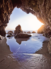 El Matador State Beach (Jinna van Ringen) Tags: california californiacoast californiadreaming malibu malibusunset malibubeach elmatadorstatebeach elmatador jinna jinnavanringen jinnavanringenphotography jinnavanringencom jorindevanringen jorinde van ringen canoneos5dmarkii canon1740mm sunset beach cave chanderjagernath jagernath jagernathhaarlem