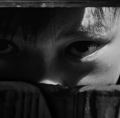 F_DSC8608-BW-Nikon D300S-Nikkor 28-300mm-May Lee  (May-margy) Tags: bw eyes taiwan     taitungcounty repofchina nikond300s maymargy nikkor28300mm tribalimage maylee