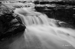 Au Train Falls B&W - October 2013 (1540) (bechtelsf) Tags: blackandwhite up waterfall nikon fallcolor michigan upperpeninsula d7000 nikon1024mm