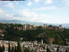L'Alhambra vue de l'Albaicin, du haut du mirador de Saint-Nicolas, Andalousie, Grenade (Jeanne Menj) Tags: spain alhambra grenade espagne colline andalousie albaicin saintnicolas sabika