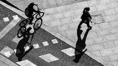 sombra (Color-de-la-vida) Tags: shadow bike sombra bici arenas señales