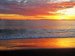 Tarde mágica (Antonio Chacon) Tags: sunset españa art landscape atardecer photography mar spain day arte cloudy photos andalucia fotos nubes costadelsol puestadesol imagen málaga marbella