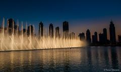 Arab Emirates 131028 18_04_22 (Renzo Ottaviano) Tags: show fountain dubai united emirates khalifa arab lorenzo uniti renzo arabi burj برج emirati دبي ottaviano نافورة emiratiarabiuniti خليفة