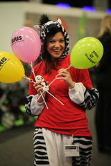 Baby & Barn 2014: BRIS sna gick och delade ut ballonger (Svenska Mssan) Tags: gteborg sverige baloons bris ballonger sna svenskamssan babybarn barnmssa barnmssan frkldnad babyochbarn babybarnmssa barnroslagbara barnensrttisamhllet