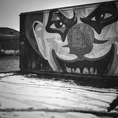 nase-wise (chipsmitmayo) Tags: street blackandwhite art 120 6x6 mamiya film face rollei analog square nose graffiti wand clown tags 150 100 haha rodinal schwarzweiss hafen nase f28 als pennywise scribble mnster quadrat 80mm rollfilm selfdeveloped klassiker c330 sekor adonal rpx selbstentwickelt