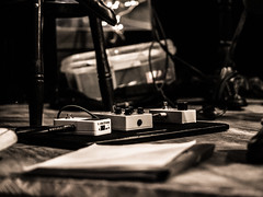 20150127-P1270531.jpg (Youssef Bahlaoui Photography) Tags: blackandwhite france monochrome concert lyon noiretblanc live olympus session guitarist omd jamsession fauteauxours onechordandthetruth