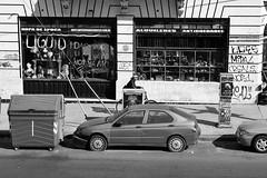 Pulgas-Market (Matas Mller) Tags: blanco y negro monocromtico
