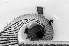 Tres escaleras, una salida (Sachada2010) Tags: espaa woman abstract stairs canon de is mujer spain arquitectura do martin escalera galicia museo stm minimalism javier abstracto angular minimalist caracol escaleras minimalista galego pobo helicoidal 60d 1018mm sachada sachada2010