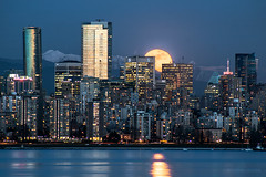 So Much For The Afterglow ~ Vancouver, BC (Michael Thornquist) Tags: canada vancouver britishcolumbia seawall fullmoon pacificnorthwest englishbay trumptower pnw vancouverbc vancity gvrd metrovancouver inuksuk shangrilahotel vancouvercanada earthsky sunsetbeachpark snowmoon vancouverisawesome explorecanada shangrilavancouver hungermoon ilovebc vancitybuzz bonemoon veryvancouver photos604