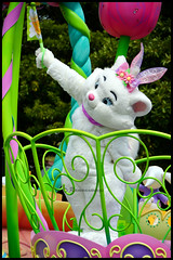 Parade de Pques Tokyo Disneyland (ramonawings) Tags: tokyo tokyodisneyland disneyland disney tdl paques easter happyeaster marie rabbit mary flower coccinelle mikey mikeymouse mouse minnie minniemouse daisy donald duck donaldduck tic tac chip dale dingo goofy vip spring