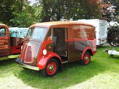 Morris J Type Van, Abergavenny Steam, Vintage & Veteran Rally, Bailey Park, Abergavenny 30 May 2016 (Cold War Warrior) Tags: morrisvan steamfair abergavenny baileypark morrisjtype