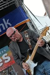 Bluesfabriek (FaceMePLS) Tags: musician dorpsstraat guitar nederland thenetherlands zoetermeer muziek gitaar muzikant plektrum gitarist muziekinstrument facemepls nikond700 blues2016