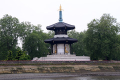 Peace Pagoda (NTG's pictures) Tags: peace pagoda battersea park river thames london