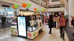 FAVORI Robinsons Place Manila (ajsanpedro) Tags: mall place robinsons aromatherapy favori storeopening angelaquino reeddiffuser robinsonsplacemanila aromaoils