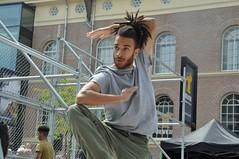 Compagnie Dyptik - D - Construction (c) Henry Krul (11) (Henry Krul) Tags: dance construction outdoor d henry op hip hop dans krul deventer straattheater streettheatre 2016 stelten dyptik