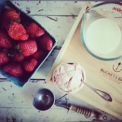 Start from scratch. Keep it simple. Tastes better! 100% grass-fed gelato! #jerseycity #jcmakeityours #jceats (bucketandbay) Tags: jerseycity gelato bucketandbay